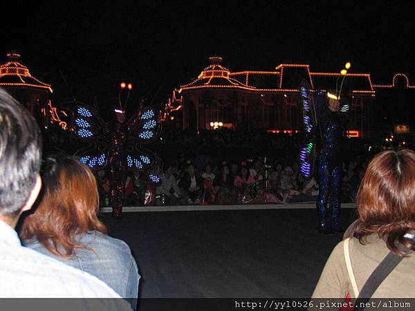 東京迪士尼-花燈遊行5.JPG