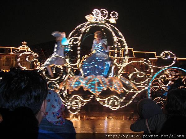 東京迪士尼-花燈遊行23.JPG