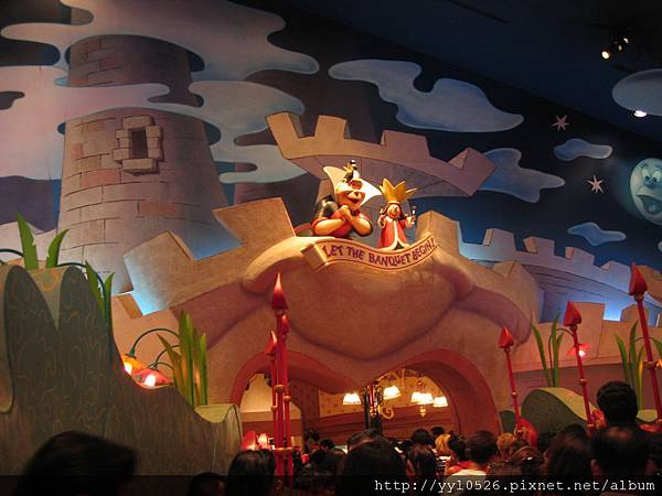 東京迪士尼-愛麗絲餐廳4.JPG