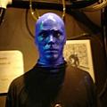 不跟狗說笑話的blue man.JPG