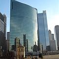 芝加哥河邊的 333號大樓.JPG