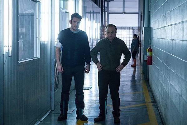 伊森(麥特狄倫 Matt Dillon 飾)、詹金斯醫生/大衛碧爾雀(陶比瓊斯 Toby Jones 飾)