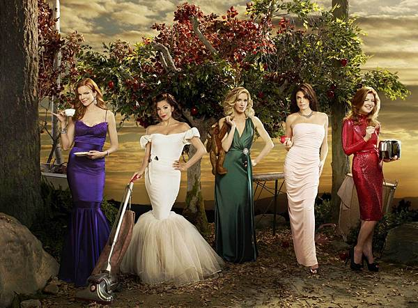 布麗(瑪西亞克羅絲 Marcia Cross 飾)、嘉碧葉拉(伊娃朗格莉亞 Eva Longoria 飾)、莉奈(費麗西蒂荷夫曼 Felicity Huffman 飾)、蘇珊(泰瑞海契 Teri Hatcher 飾)、凱瑟琳(黛娜狄蘭妮 Dana Delany 飾)