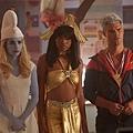 香奈爾(艾瑪羅伯茲 Emma Roberts 飾)、詹蒂(琪琪帕瑪 Keke Palmer 飾)、凱西帝醫生(泰勒洛特 Taylor Lautner 飾)