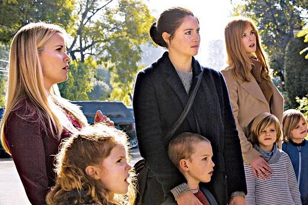 瑪德琳(瑞絲薇斯朋 Reese Witherspoon 飾)、克洛伊(妲比坎普 Darby Camp 飾)、珍恩(雪琳伍德利 Shailene Woodley 飾)、席基(伊恩埃米堤區 Iain Armitage 飾)、瑟麗絲(妮可基嫚 Nicole Kidman 飾)、喬許(卡麥隆寇瓦堤 Cameron Crovetti 飾)、麥克斯(尼可拉斯寇瓦堤 Nicholas Crovetti 飾)