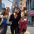 琳恩(康妮蔻 Nicole Kang 飾)、貝可(伊莉莎白萊爾 Elizabeth Lail 飾)、佩姬(雪米契爾 Shay Mitchell 飾)、安妮凱(凱瑟琳蓋勒 Kathryn Gallagher 飾)