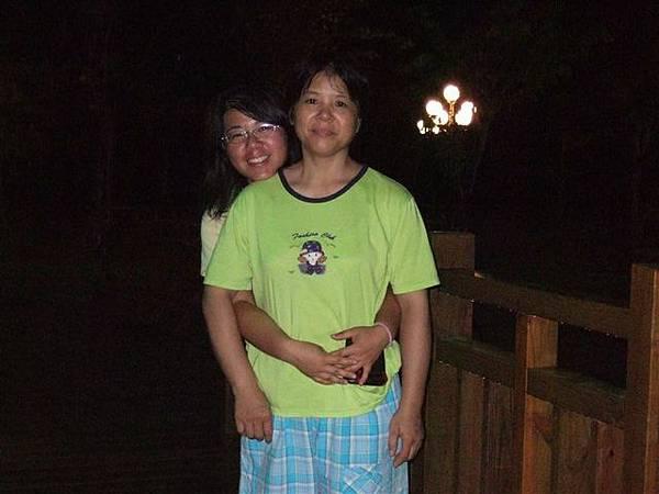 我跟我姐  都是好久才能看到我爸媽