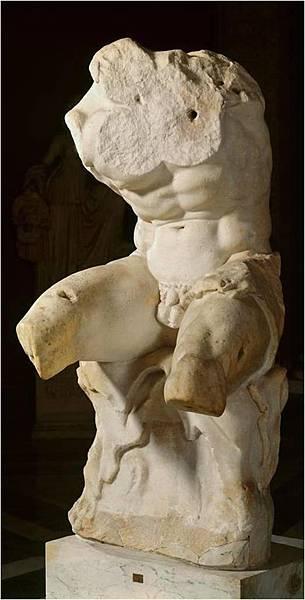 22.10 繆斯館-望樓的軀幹雕像(圖片來源:google).jpg