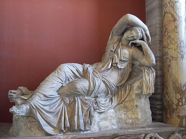 22.13雕像與半身像畫廊 -熟睡的阿里亞納(圖片來源:google).jpg