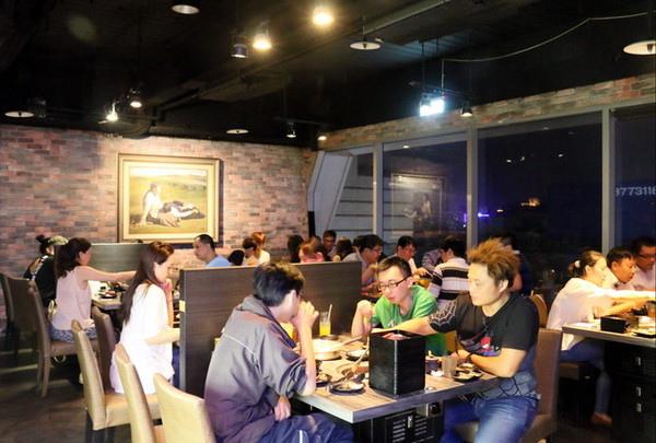 好客酒吧燒烤吃到飽 (5)