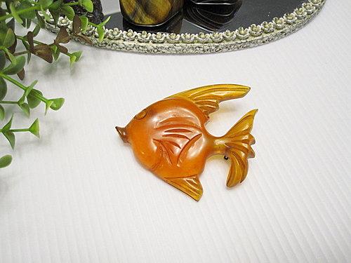 Bakelite 膠木 可愛熱帶魚造型別針  9