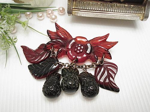 水果世界 Bakelite膠木 暗紅葉子花朵 鳳梨別針  12