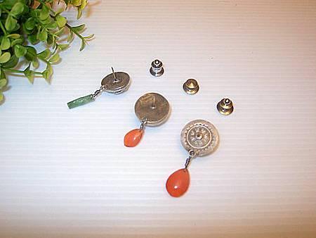 老銀釦巧妙改造,針式別針(背面)