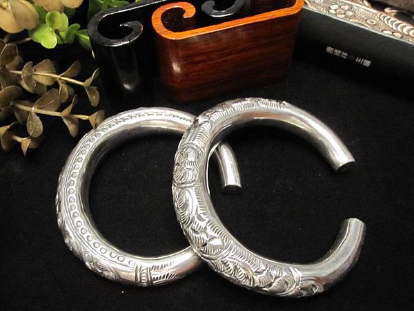 新銀仿老件~鏤空雕刻富貴圖騰~C型手環一對 2