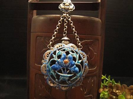 富貴芙蓉 燒藍鏤雕老銀香囊 1