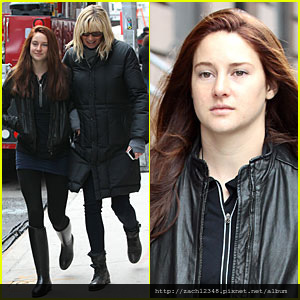 shailene-woodley-red-hair-on-amazing-spider-man-2-set