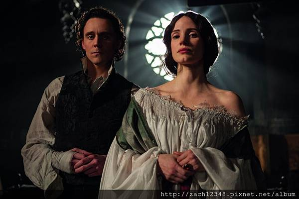 1118full-crimson-peak-photo.jpg