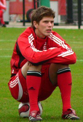 19 (FW) Klaas-Jan Huntelaar