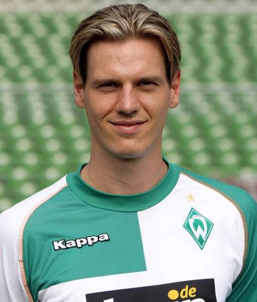 18 (MF) Tim Borowski