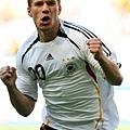 20 (FW) Lukas Podolski