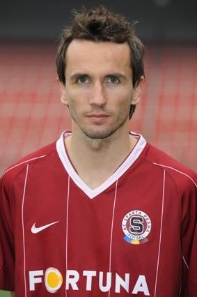 18 (MF) Tomáš Sivok