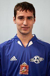 14 (DF) Roman Shirokov
