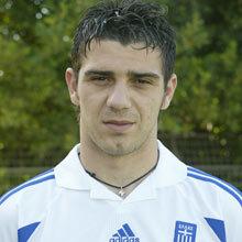 21 (MF) Kostas Katsouranis