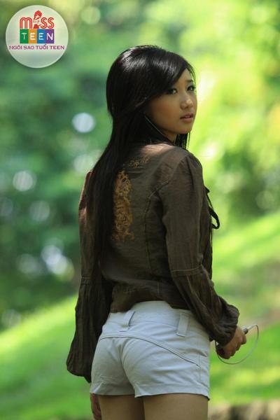 Nguyen Thuy  Huyen Trang(阮翠玄莊)