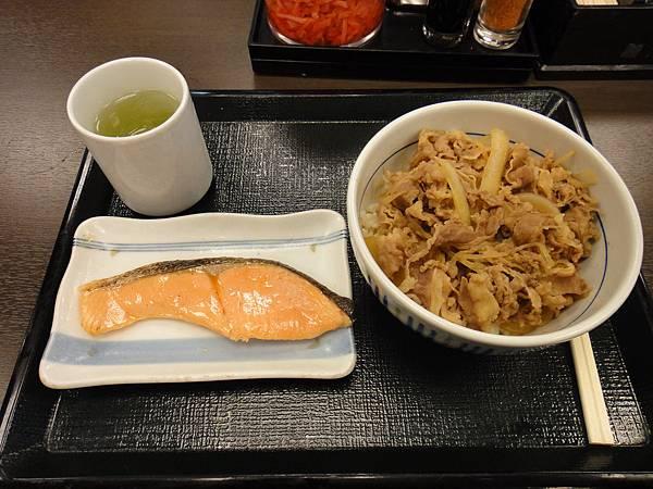 [札幌] なかう牛丼02.JPG
