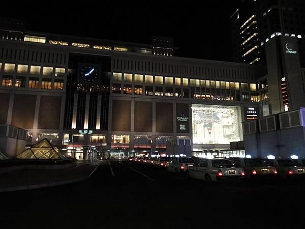 [札幌] JR札幌站夜景07.JPG