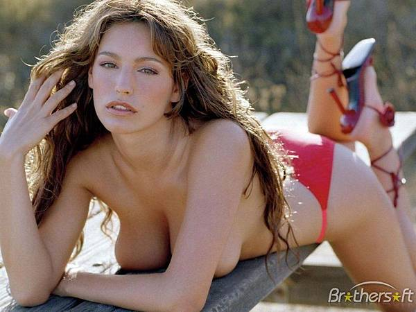 Kelly Brook_09.jpg