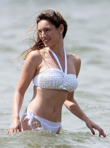 Kelly Brook_27.jpg