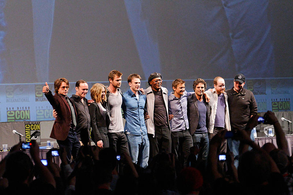 800px-The_Avengers_Cast_2010_Comic-Con.jpg