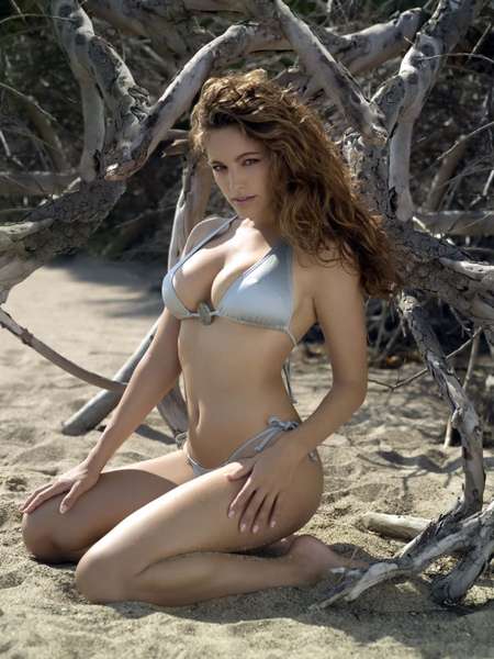 Kelly Brook_55.jpg