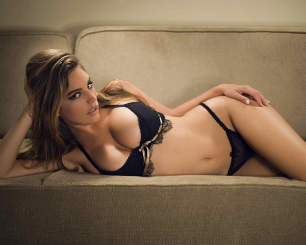 Kelly Brook_08.jpg