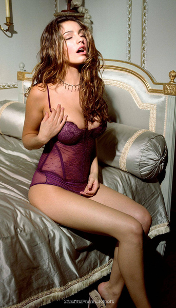 5744,xcitefun-kelly-brook-5.jpg