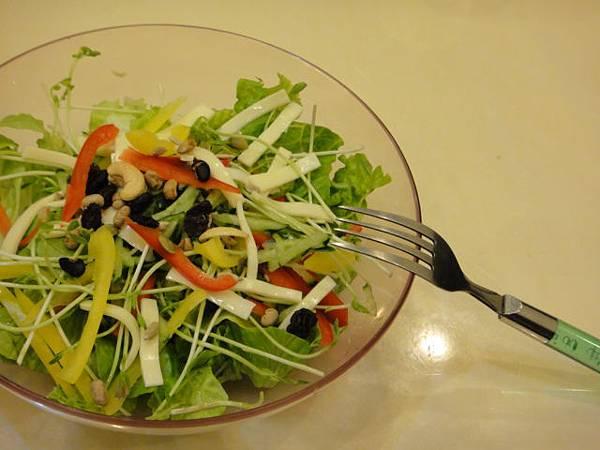 20120311晚餐起士堅果生菜沙拉