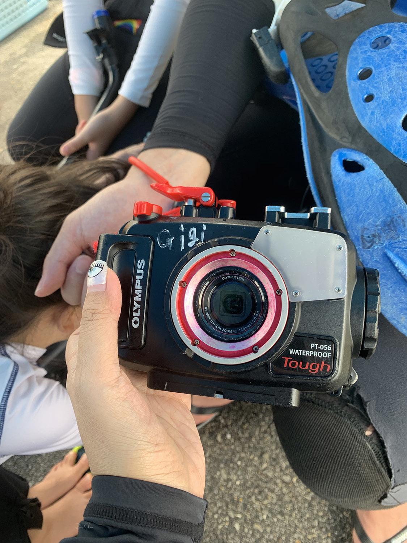 Gigi青洞浮潛 租防水相機