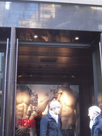 Abercrombie&Fitch03.JPG