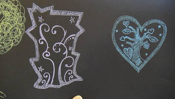 學生鋼珠筆仿版畫練習(成品)