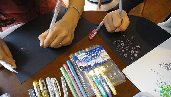 》學生包裝紙設計實作(2)深色底紙