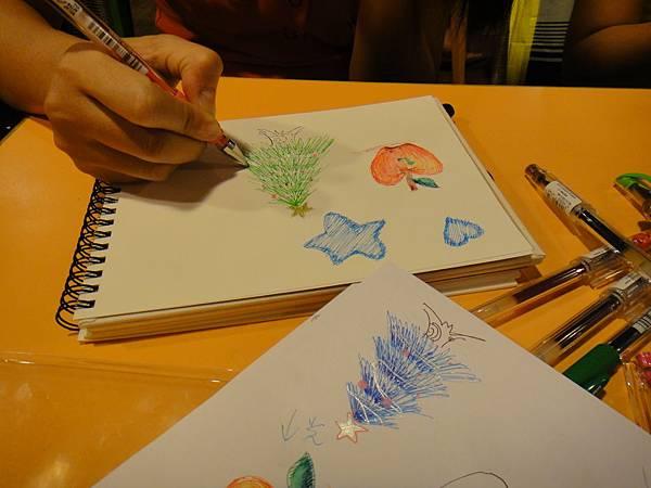 學生鋼珠筆上色畫法練習(8)