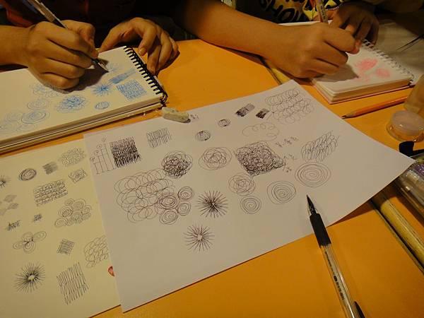 學生鋼珠筆上色畫法練習(1)