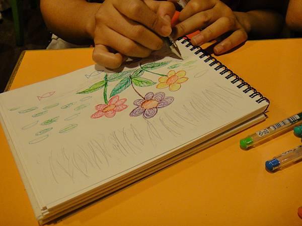 學生鋼珠筆上色畫法練習(10)