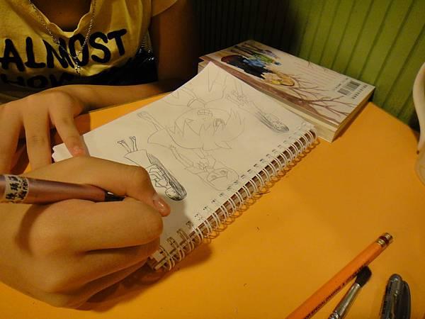 學生鋼珠筆上色畫法練習(11)