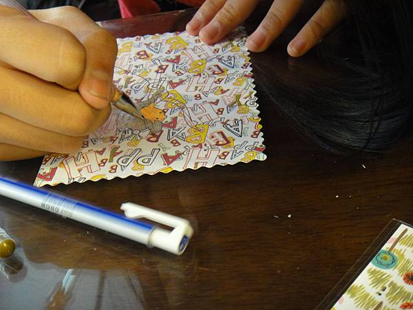 》學生鋼珠筆美術紙創意畫k_5