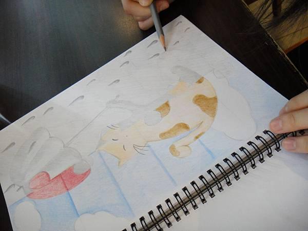 》學生色鉛、鉛筆黑白彩色對比畫創作(3)