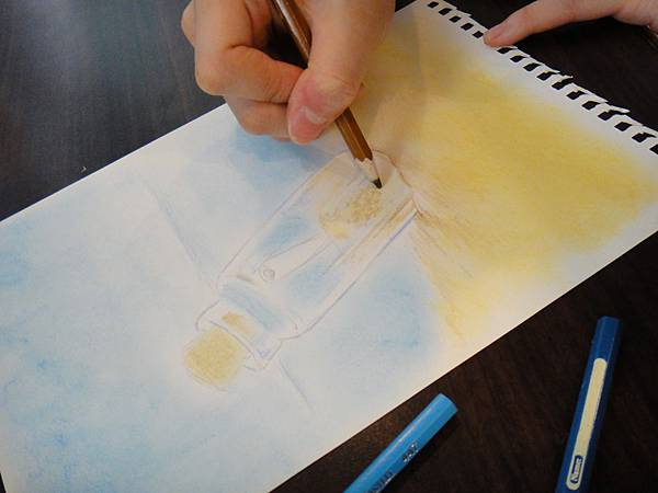 》學生粉彩+色鉛玻璃質感練習_瓶中信(4)