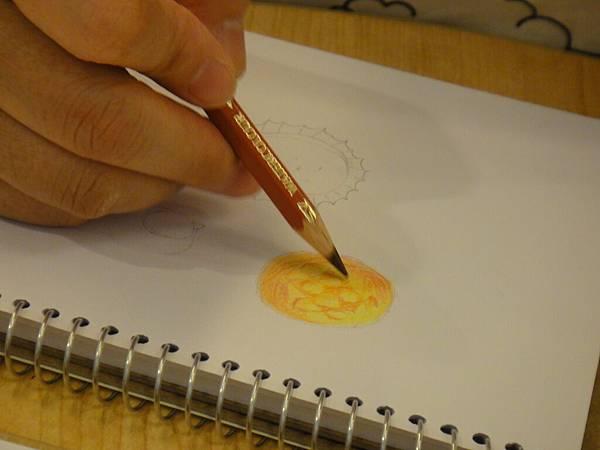 》學生色鉛畫麵包練習(3)
