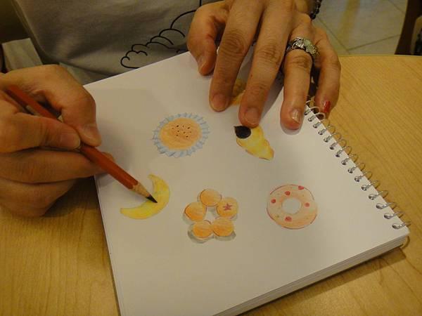 》學生色鉛畫麵包練習(14)